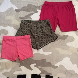 Other - 👯♀️$3 IF BUNDLE. (3) girl shorts